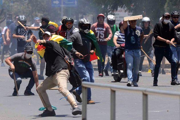 La Bolivia è nel caos, sì al riconteggio dei voti per fermare le proteste