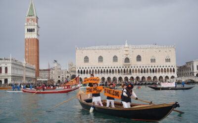 #StopWaves. Un corteo di barche controcorrente