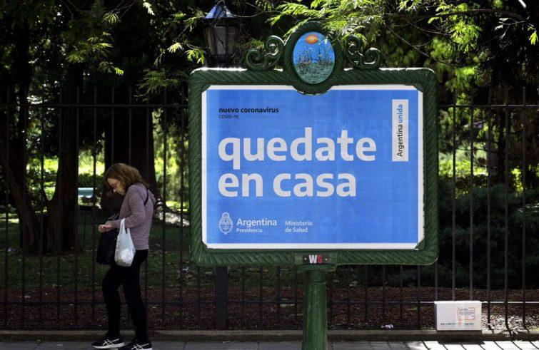 L'Argentina vara misure economiche per arginare la crisi del coronavirus