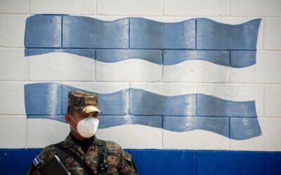 La tregua del Salvador. Il Governo scende a patti con la malavita
