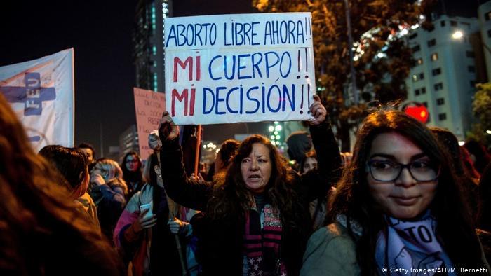 Effetto Argentina: il parlamento cileno discute l'aborto libero, sicuro e gratuito