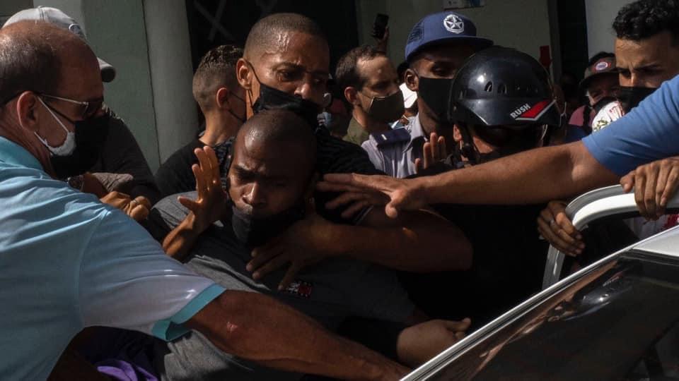 Cuba tra rivolta e repressione. L'appello dei vescovi